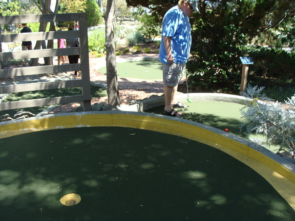 A schnook takes another stroke at mini-golf in Avalon